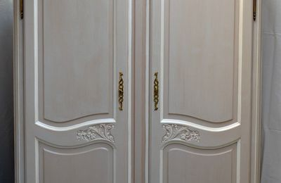 ARMOIRE LOUIS XV RELOOKEE