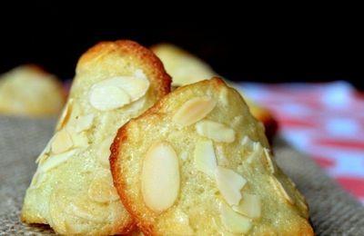 Thơm ngon không ngờ với bánh ngói hạnh nhân