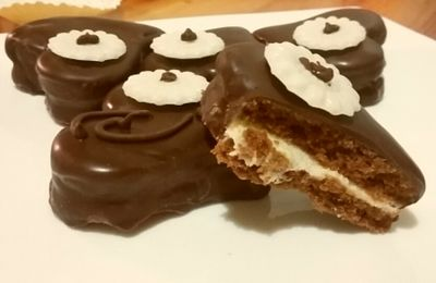 Coeur au chocola et la crème. .....قلوب بالشوكولاطة و الكريمة