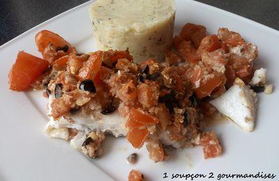Filets de Skrei en Crumble d'amandes, olives et tomates