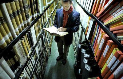 Edouard Bouyé, archiviste dans la cité