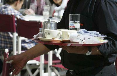 Servir mesas 12 horas al día por un salario de 500 euros