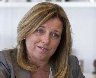 La exdirectiva de la CAM que se apuntó al paro después de fijarse una pensión vitalicia de 370.000 euros al año