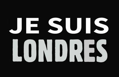 Attentat dans le métro de Londres - sortez les bougies , les peluches et les slogans