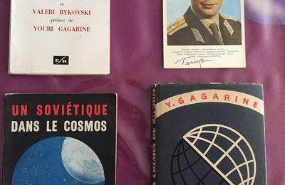 Des livres sur l'espace comme cadeau ! Trop Bien !
