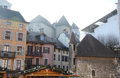 Annecy, co-capitale du Genevois ?
