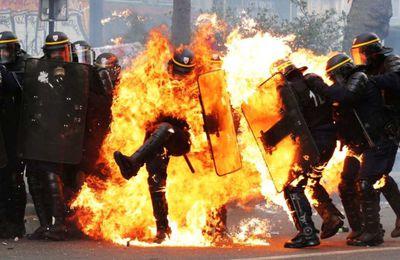 Pour le défilé du 1er mai et ces traditionnelles manifestations rempli d'anti fa, 3 CRS ont reçu des cocktails Molotov