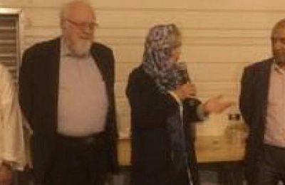 Élisabeth Guigou mène campagne voilée à la mosquée de Pantin