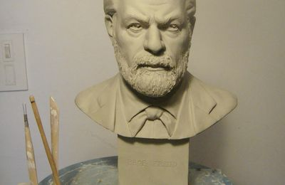 portrait de sigmund freud buste sculpture