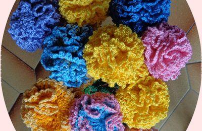 fleurs au crochet de toutes les formes et couleurs