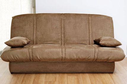 relooker son clic clac elegant inspiration faons de redonner du style votre canap avec un plaid. Black Bedroom Furniture Sets. Home Design Ideas