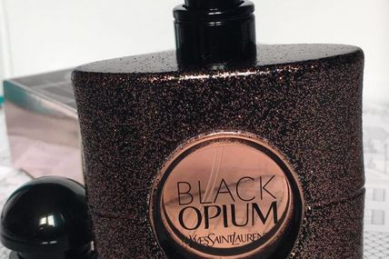 "L'eau de toilette ""Black Opium"" de Yves Saint Laurent"