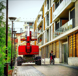 RED TRACTEUR/SMALL VÉLIB #Paris #vélo #Pic
