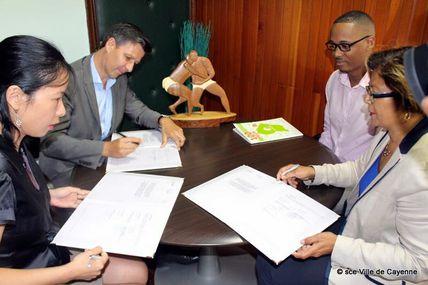 Guyacom : Signature d'une convention avec la Mairie de Cayenne et d'EDF !