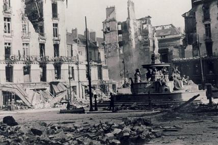 Nantes sous les bombardements alliés