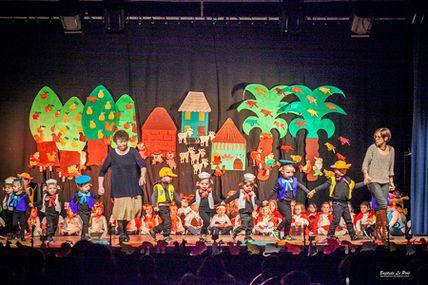 14 décembre - spectacle de Noël de enfant de l'école St Anne - St Clément
