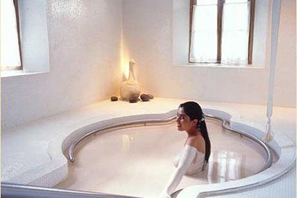 Des bains de boue pour traiter le psoriasis