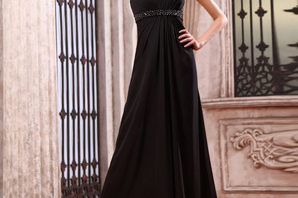 Choosing evening dresses online