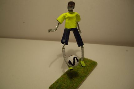 Muselet Footbaleur - sculptures-sur-muselets-de-jp.over-blog.com