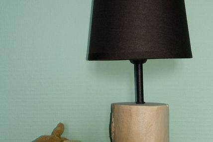 Petite lampe de chevet en bois flotté toute simple !