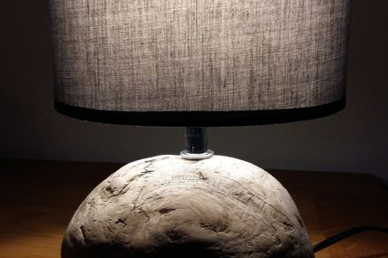 1ere lampe de l'année en bois flotté toujours !