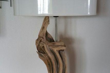 Lampe bois flotté de genévrier