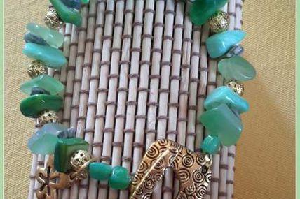 Bracelet vert perles naturelles