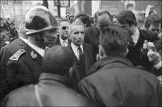« Maurice Grimaud, directeur de cabinet de Gaston Defferre : l'auteur de La police malade du pouvoir… au pouvoir (mai 1981-juillet 1984) », Histoire@Politique, n° 27, septembre-décembre 2015, www.histoirepolitique. fr