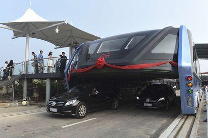 La Chine inaugure son premier bus anti-bouchons