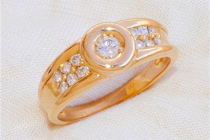 ELEGANTE BAGUE EN OR JAUNE 18 K ( 750 ) - DIAMANTS    REF / AA 887