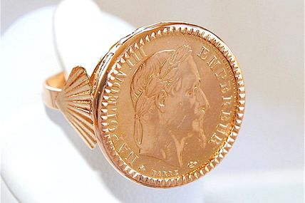 BELLE BAGUE OR JAUNE 18 K ORNEE D'UNE PIECE DE 10 FRANCS NAPOLEON III 1867    REF / AB 910