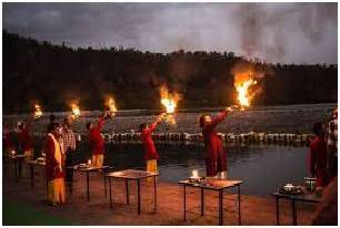 Ganga Aarti is a pleasant ritual of worshipping the Ganga / Krishna Holidays
