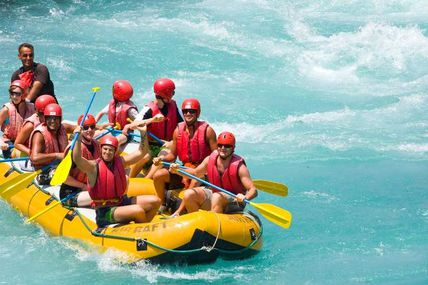 Feel the experience of River Rafting in Rishikesh.