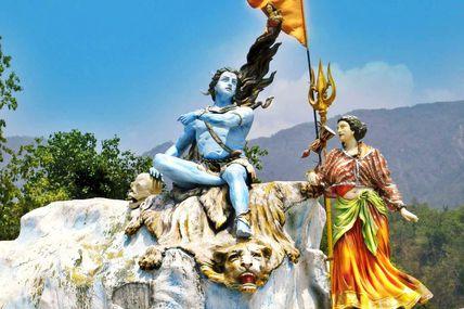 Triveni Ghat in Rishikesh / By Krishna Holidays