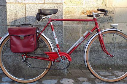 Ce vélo LA FRANCAISE DIAMANT roule désormais à Bordeaux