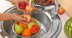 Bien laver les fruits et les légumes