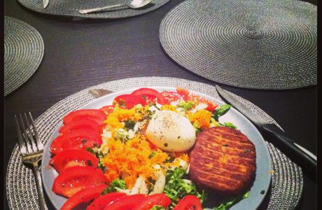 Salade simple et steak de thon