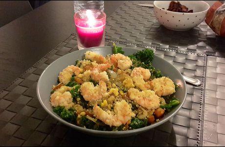 Poêlée de chou Kale, patate douce et crevettes panées au parmesan