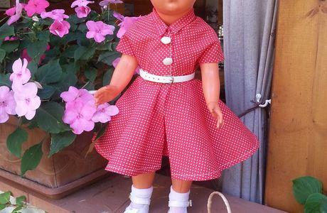 La poupée Françoise et sa robe de saison.
