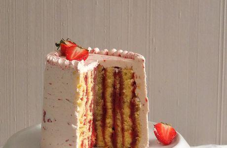 Layer cake verticale à la fraise