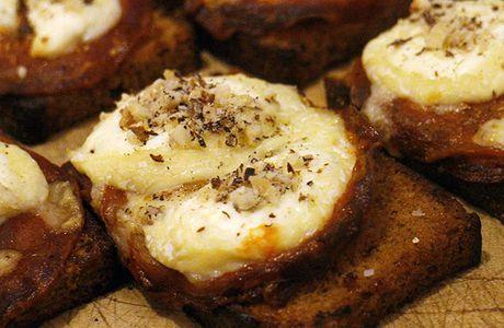 Bouchées pain d'épices, chorizo & chèvre