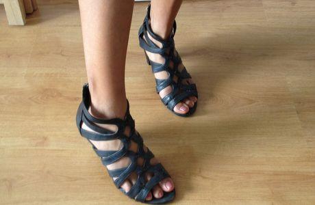 Sandales noires à talon Eram