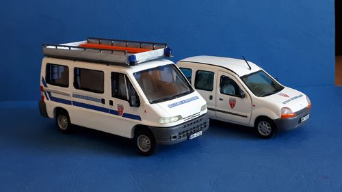 DIVERS VERSIONS KANGOO FORCES DE L ORDRE voiture miniature 1//43 collection norev