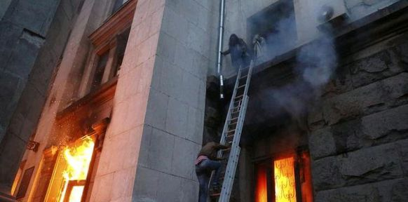 http://img.over-blog-kiwi.com/582x288-ct/0/69/18/83/20140503/ob_759f5a_14-05-03-odessa-incendie-syndicats.JPG