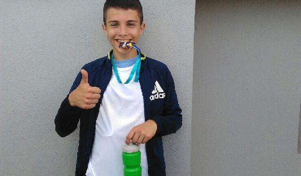 Alan champion de France Scolaire du 1000 m