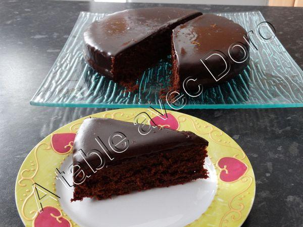 Gâteau fudge au chocolat et à l'orange sanguine