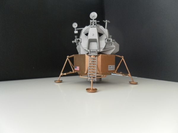 Apollo Lunar Module Eagle 1:100