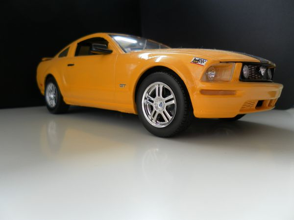 Ford Mustang GT 2005 1:25