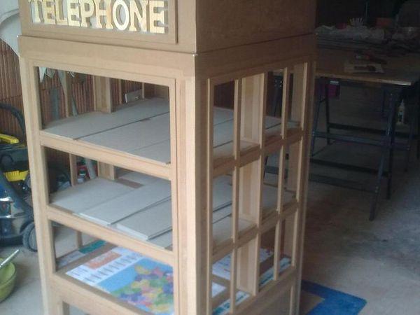 Meuble tag re fa on cabine t l phonique anglaise - Meuble cabine telephonique anglaise ...