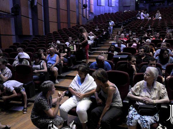 Photos prises pendant la conférence. Avec Lucy Lee, Charlotte, Dan et Alison. La 1ère photo a été prise par un ami Joël Chartrez.
